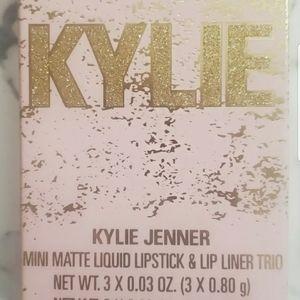 "ULTA""LE"" KYLIE JENNER MINI MATTE  LIPSTICK & LINER"